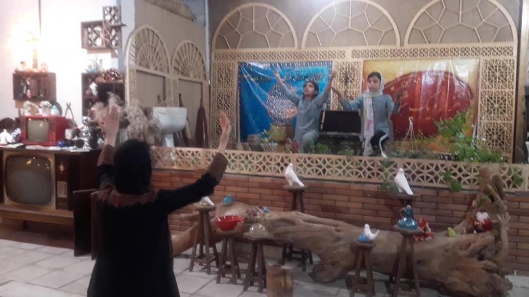 شاهنامهخوانی برای کودکان در زورخانه پوریای ولی مسجدسلیمان